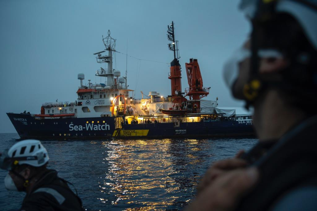 Sbarcheranno a Trapani i 455 migranti salvati dalla Sea Watch