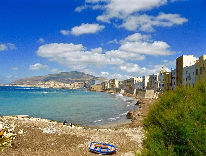 Trapani: il vento fa paura; Estate col rischio delle spiagge chiuse?