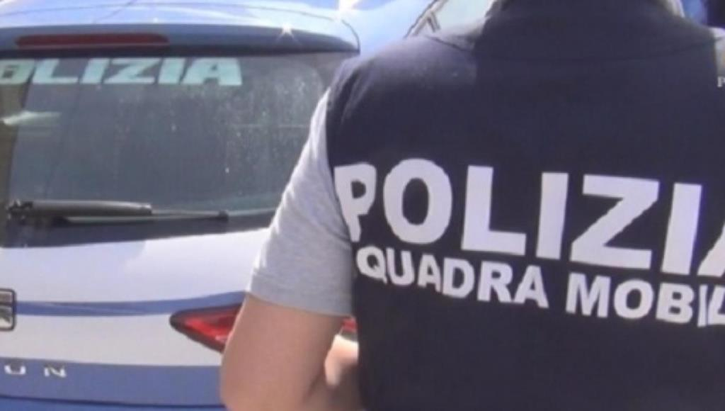 Scappa in Tunisia e rientra in Italia, arrestato dagli agenti della Mobile