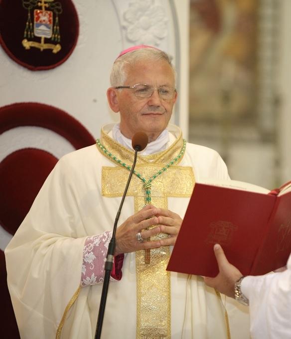 Covid, guarito vice parroco di Crocci. Appello del vescovo Fragnelli