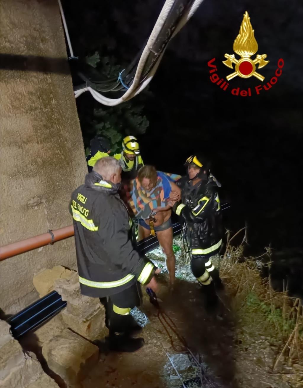 Maltempo, quattro turisti salvati nel Trapanese dai vigili del fuoco