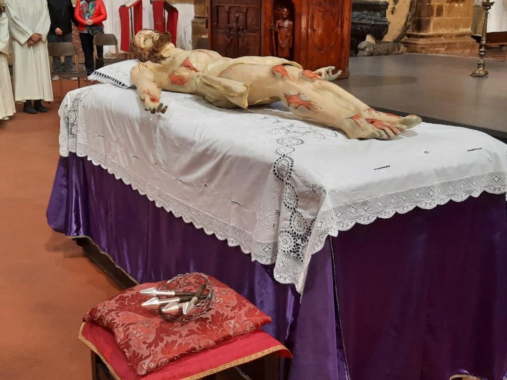 Il Venerdì Santo a Trapani e il rito della Discesa dalla Croce (VIDEO)