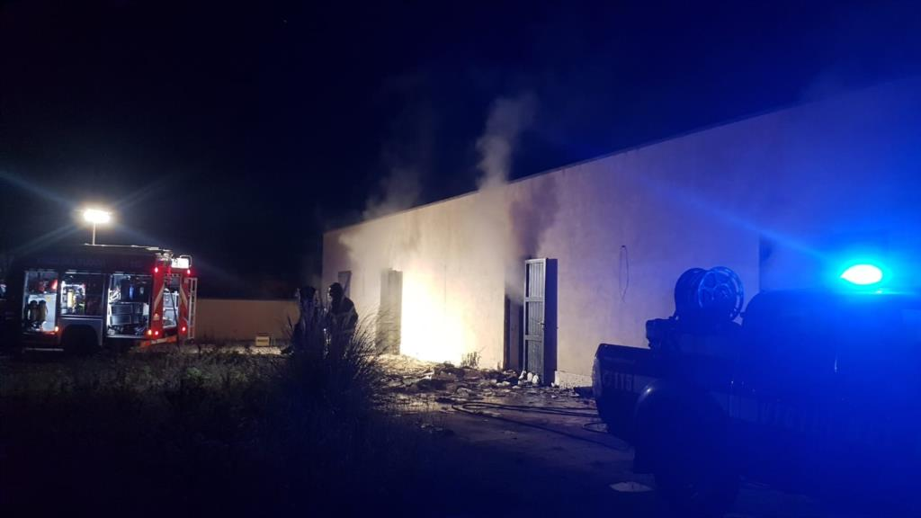 Mazara del Vallo, a fuoco sede di un archivio del comune