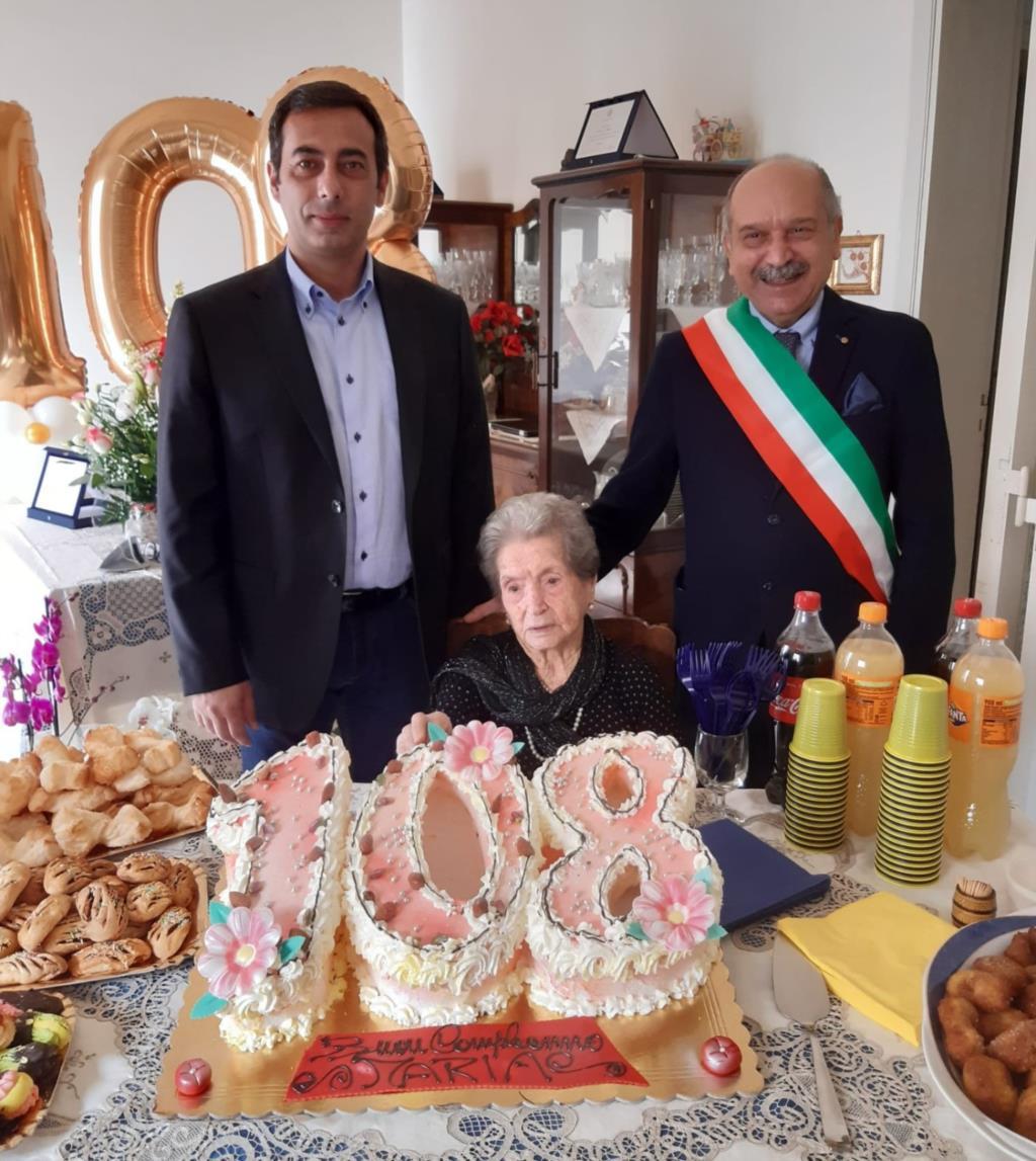 Paceco, festeggiati i 108 anni della signora Novara